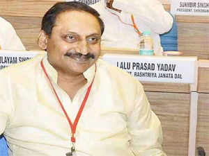 """Accusing the Centre of trivialising the state bifurcation process by taking """"shortcut routes"""" without doing any """"homework"""", Andhra Pradesh Chief Minister N Kiran Kumar Reddy tonight demanded that the """"established practises and conventions"""" be followed."""