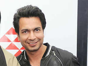 Micromax is planning to launch smartphones in Russia by the year end, as it starts on an aggressive road map of international expansion, having roped in Hollywood star Hugh Jackman as its brand ambassador, says co-founder Rahul Sharma.