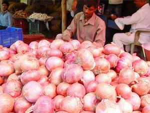 If the market sentiments declare scarcity, everyone from farmer to trader to hawker in the onion value chain starts jacking up the price. Call it a perfect storm!