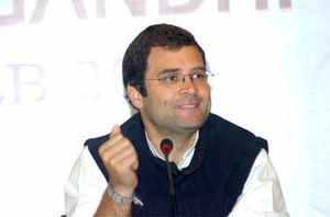 """""""Criticising BJP, Sonia said that Modi is making a mockery of the PM.... it is not Modi, but her son Rahul Gandhi is making mockery of the PM,"""""""