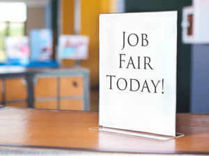 As part of its effort to find jobs for unemployed professionals, the Indian-American Community Services organised a job fair in Chicago.