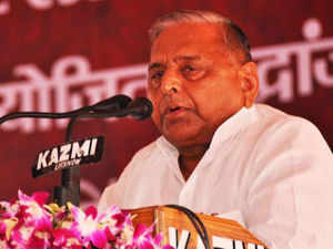 Mulayam demanded that Muslims be given special status as per recommendations of the Sachar Committee and blamed Congress for 'not focusing' on minority issues.