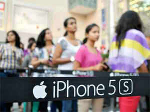 Apple is also looking to tap the 6-lakh owners of the iPhone 4 to trade up to the new model, currently the costliest smartphone in India at Rs 53,500.