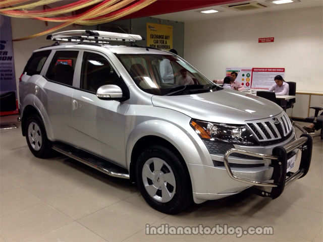 Mahindra xuv500 w4 launched at rs lakh mahindra for Xuv 500 exterior modified