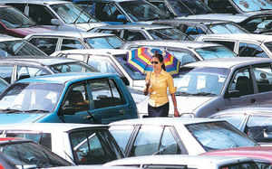Does it make sense to avail of December discounts on cars?