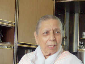 Hindi film industry lost one of its musical legend, Shamshad Begum, whose melodious voice ruled the industry for quite long.