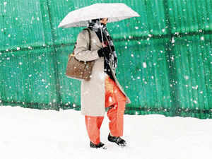 The minimum in Delhi dipped to 8°C, 2-3°C above normal but is expected to dip by 2-3°C over the next few days.