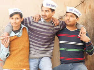 Yoths seen wearing Aam Aadmi Party cap. The 'Main bhi aam aadmi' recruitment drive on a pan-Indian level is set to begin from January 10 onwards.
