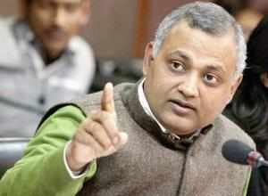 """We were attacked on Wednesday night by Indians who were led bySomnathBharti..,""""Ugandan nationalsaid."""