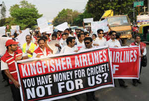 Kingfisher Airlines employees urge Yuvraj not to play for RCB in IPL