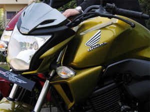 Honda Motorcycle & Scooter India (HMSI) and Hero MotoCorp slashed product prices after the excise duty reduction announced in the Interim Budget 2014-15.