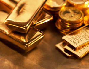 In two big initiatives to promote sale of pure gold, government today cut licence fee for gold hallmarking by up to 87.5 per cent for jewellers in small towns.