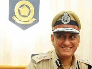 The new police commissioner of the metropolis, Rakesh Maria announced today that  victims of sexual assault in Mumbai need not go to a police station and can register complaints through a woman's helpline.