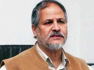 Lt governor Najeeb Jung reviewed the power situation in Delhi and directed the Power Department officials to chalk out a proper summer action plan.