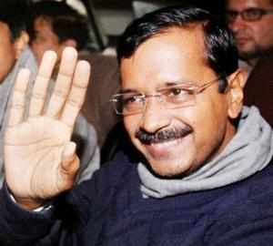 In the course of Kejriwal's interaction with market representatives, he repeatedly said the 2014 general elections would result in a fractured mandate.