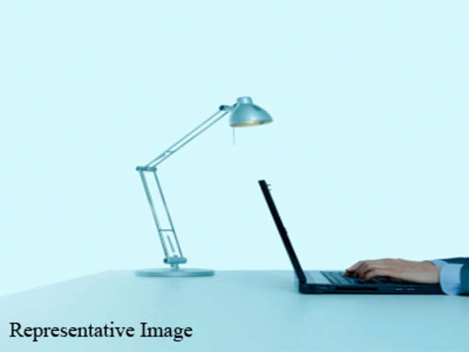Skm unveils election symbol a table lamp the economic times for Table lamp election symbol