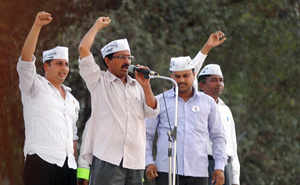 Political parties, journalists attack Arvind Kejriwal for his comments on media