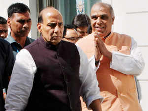 Right around the time Rajnath Singh was inducting Congress turncoat Jagdambika Pal into the party, BJP workers were protesting against his entry in Lucknow.