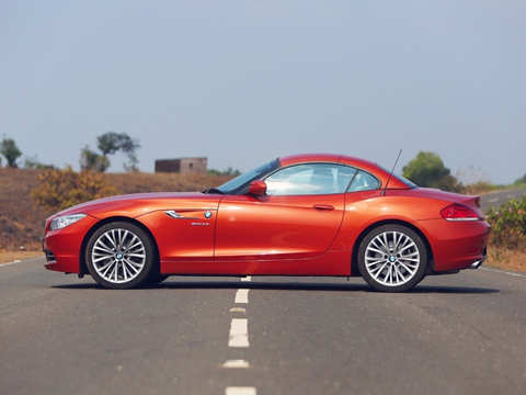 2014 Bmw Z4 What S The Open Top Two Seater Sports Car Like 2014 Bmw Z4 Brief Review The Economic Times