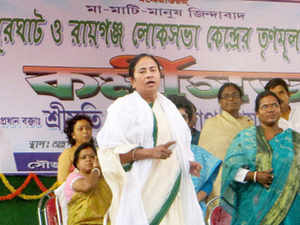 West Bengal Chief Minister and Trinamool Congress chief Mamata Banerjee addresses party workers convention ahead of Lok Sabha election at Durgapur near Raiganj in North Dinajpur district of West Bengal on Wednesday.In theRaigunjLokSabhaseat, sitting Congress MPDeepaDasmunshiis contesting against brother-in-lawSatyaranjanDasmunshiofTrinamoolCongress.