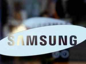 The fall in value market share indicates the price pressure the company is facing and also that the contribution of higher-priced devices to its overall sales is probably slowing. Still, analysts recommend Samsung to focus on low-end devices by increasing the range of products as future growth will be in this segment.