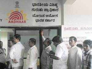 Aadhaar should be kept beyond partisan politicking, on par with rural electrification & offering farmers minimum support prices for their crops.