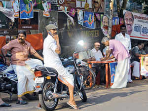 Voters who contemplate switching support are typically Congress supporters. They form part of the swing votes in Kerala, overcoming their reluctance for the sake of other interests, unlike Correya and Rafi, that turn out to be decisive at the hustings
