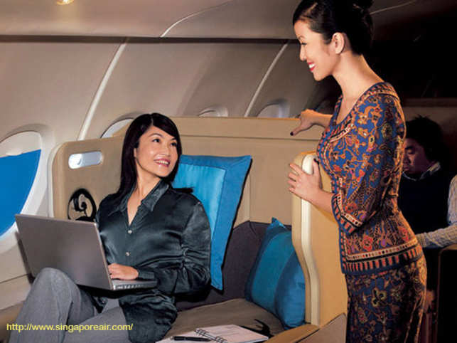 Singapore Airlines\' double-decker A380 jet finally lands in India ...