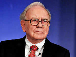 Buffett said his eventual successor as CEO of  Berkshire Hathaway should be the company's sole manager getting stock  options as compensation.