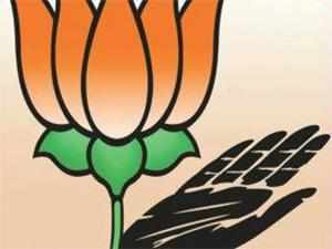 A controversy is doing the rounds over the idea of the Congress extending support to a govt formed by parties opposed to the BJP, a so-called Third Front.