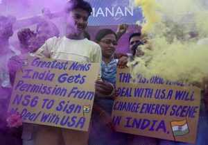 People celebrate the approval of Indo-US atomic energy deal.(Reuters Photo)