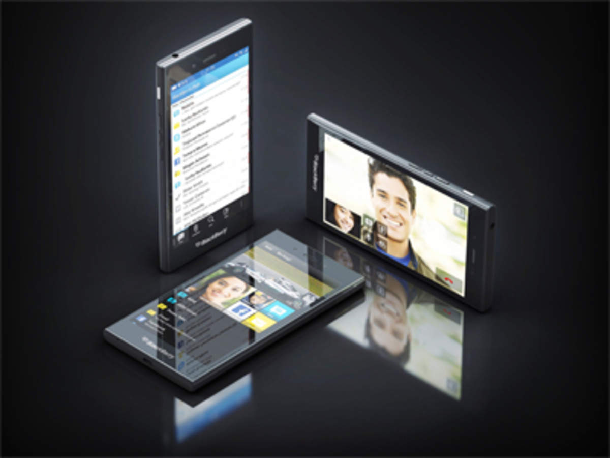 Ailing BlackBerry fights back with cut-price smartphone