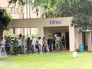 The challenge facing Infosys is that it must also increase the proportion of revenue from newer technology areas such as cloud computing and data analytics.
