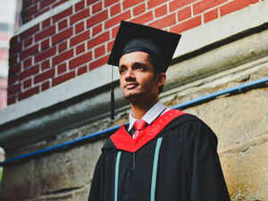 The number of overseas students coming to study in Britain from Commonwealth countries like India and Pak has dwindled from one lakh to 35,000 in the past 3 years.