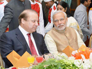 New Delhi: Prime Minister Narendra Modi with his Pakistani counterpart Nawaz Sharif during refreshments and dinner after the swearing-in-ceremony at Rashtrapati Bhavan in New Delhi on Monday.