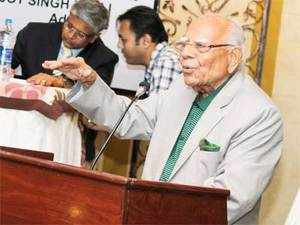 Senior lawyer Ram Jethmalani was also very vocal on the issue of bringing back black money in to the countryand had even followed it up.
