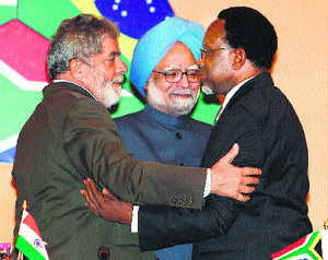 Brazilian president Luiz Inacio Lula da Silva, PM Manmohan Singh and South African president Kgalema Motlanthe at the 3rd IBSA Summit in New Delhi on Wednesday. (PTI)