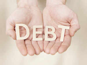 Net debt of the remaining 1,044 companies with a total turnover of Rs 35.8 lakh cr increased Rs 4.4 lakh cr to Rs 18.8 lakh crore. The top 10 companies that reduced their debt managed to cut net debt by a little over Rs 17,000 cr.