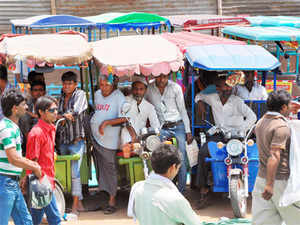 Nitin Gadkari said at a rally that municipal corporations would regularize e-rickshaws by registering them for a fee of just Rs 100.