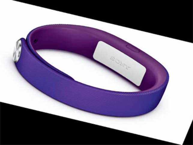 Sony's new smartband comprises two parts — a comfortable and sleek band (available in multiple colours, two sizes included in the box) and a removable core