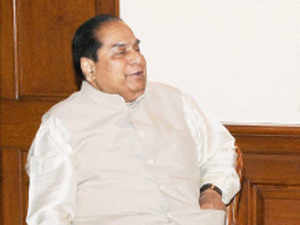 Pranab Mukherjee today appointed Bihar Governor Dr D Y Patil as acting Governor of West Bengal following M K Narayanan's resignation.