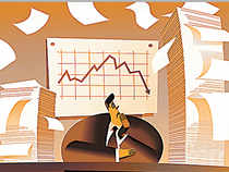 Experts advise individuals to use the current market situation to invest in gilt and income funds with an 18-month horizon as interest rates are likely to move down now.