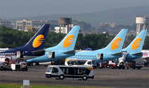 Jet Airways reported a net loss of Rs 218 crore in April-June 2014 quarter as compared to net loss of Rs 355.4 crore in year-ago period.