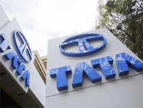 Tata Motors robust performance and plans for capacity addition and new launches have led analysts to raise their earnings outlook for 2014-15 and 2015-16.