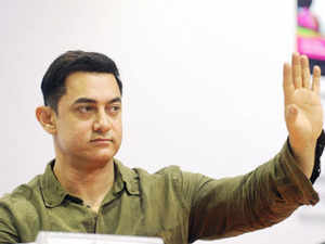 PK row: Court asks Aamir Khan to reply to suit against