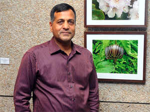 AshokLavasa, a 1980 batchIASofficer ofHaryanacadre, will replace VRajagopalan, a 1978 batchIASofficer ofUttarPradesh cadre, who superannuates on Sunday.
