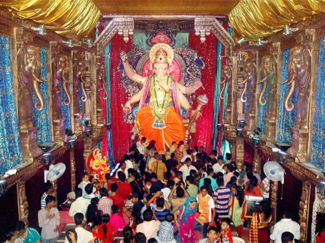 Country celebrates Ganesh Chaturthi and Onam with great fervour and respect; here is a look at the celebrations across country.