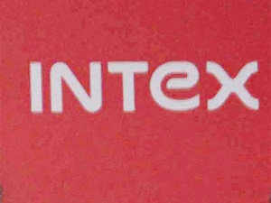 Intexhad launched the Cloud FX smartphone, priced atRs1,999. It claims that the device is the cheapest smartphone available in the country.