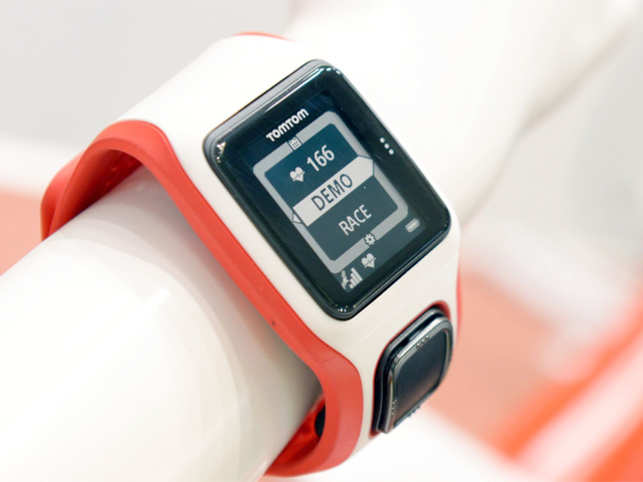 This fitness cardio watch can be the future of workouts; it provides hassle-free heart rate monitoring while you are working out.
