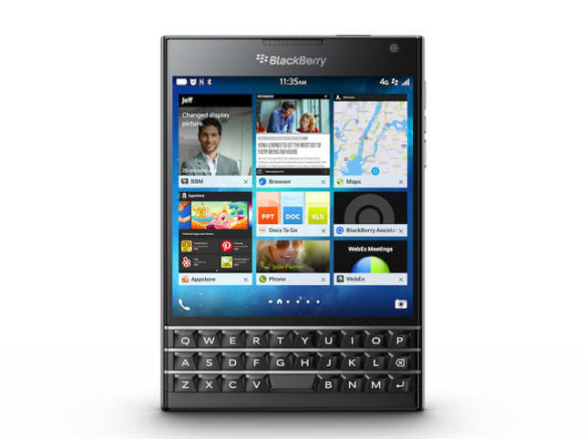 The Passport is a departure from the usual smartphone design and has a square shape. Its 4.5-inch touchscreen has an aspect ratio of 1:1 with a resolution of 1440 x 1440 pixels.